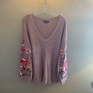 Flowered Sleeved Sweater